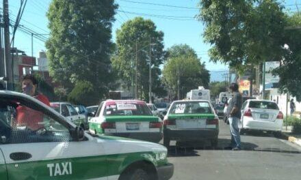 Accidente de tránsito sobre la avenida Miguel Alemán, a la altura de la calle 3