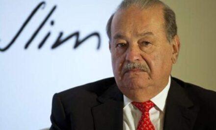 Carlos Slim sale del hospital; se recupera del covid-19 en casa