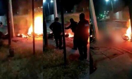 VIDEO Motociclistas derrapan y mueren calcinados tras estallar tanque de gasolina, en CDMX