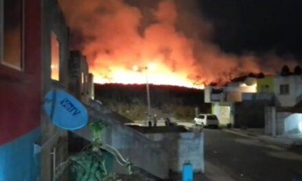 Se registra un fuerte incendio en Veracruz