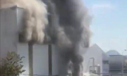 Video: Incendio en fabrica de productos químicos en Cuernavaca
