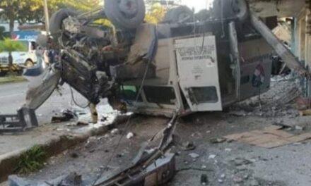 Fuerte accidente sobre el bulevar Miguel Alemán en Córdoba