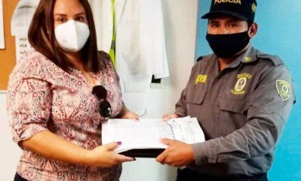 Entrega IPAX computadora y documentos olvidados en cajero, en la ciudad de Veracruz