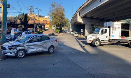 Precaución por accidente en la avenida Murillo Vidal, Xalapa