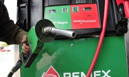 Gasolina Premium, la más barata en la ciudad de Veracruz 18.39 pesos el litro y la más cara en el Estado de México a 22.99 pesos por litro.