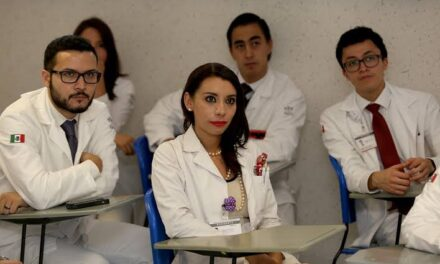 IMSS abre más de 10 mil plazas para médicos residentes