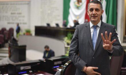 """Diputado Víctor Vargas desmiente su asistencia a """"Fiesta"""" este fin de semana"""