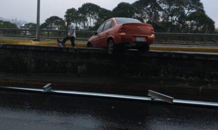 Accidente sobre el bulevar Xalapa-Banderilla, a la altura del puente Macuiltépet.