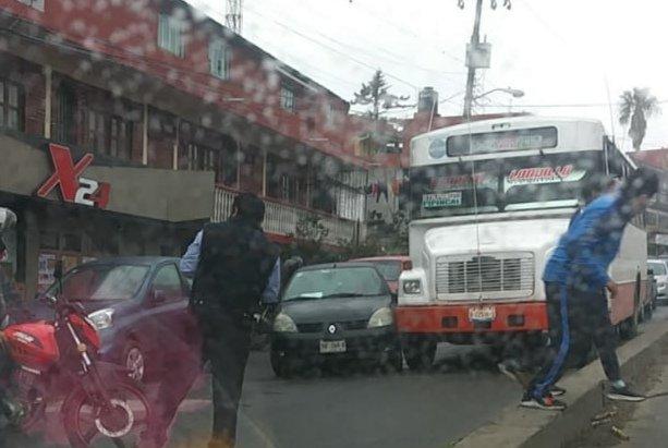 Accidente de tránsito sobre la avenida Antonio Chedraui Caram, en Xalapa