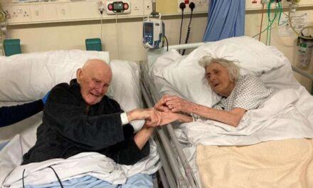Pareja de abuelitos se reencuentra en el hospital antes de morir por COVID-19