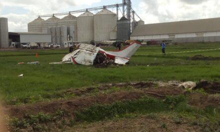 Se desploma avioneta en La Cofradía, Sinaloa: 3 muertos