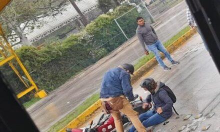 Carambola y derrape de motociclista en la Xalapa – Coatepec