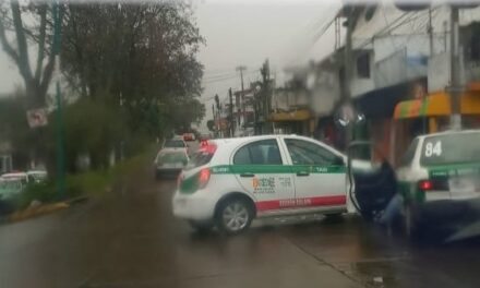Choque sobre la avenida Pipila, Xalapa
