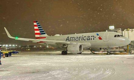 Millones de personas sin electricidad y aeropuertos cerrados por tormenta de nieve en Estados Unidos