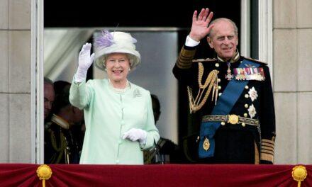El Duque Felipe de Edimburgo, esposo de la reina Isabel II, es hospitalizado