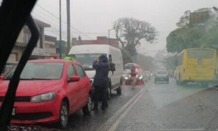 Accidente de tránsito sobre la avenida Ávila Camacho, Xalapa