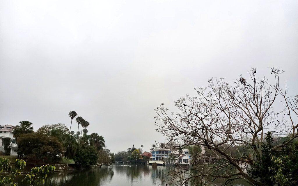 En las próximas 24 horas se prevé que aumenten las condiciones para nieblas, lloviznas y lluvias, estas últimas de mayor importancia en la zona sur