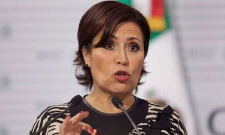 """Rosario Robles pide aplazar audiencia por """"estafa maestra"""""""