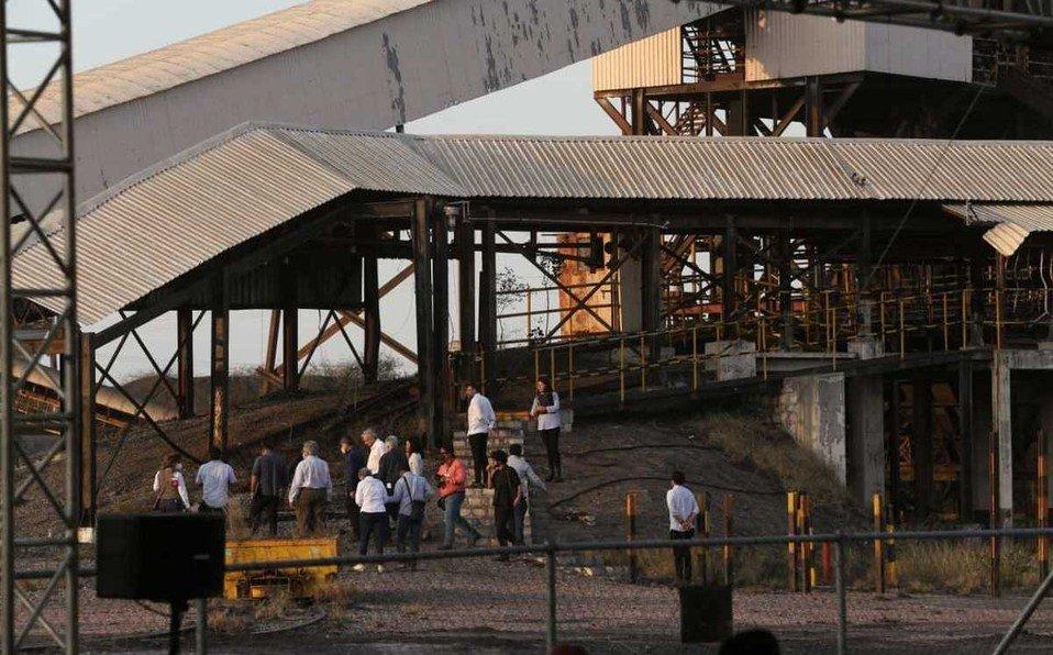 Ya empezaron labores de rescate de cuerpos en mina de Pasta de Conchos: AMLO