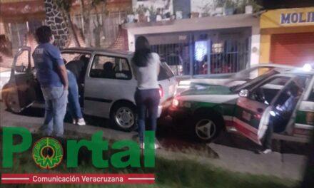 Choque en la avenida Pipila esquina Niños Héroes en Xalapa