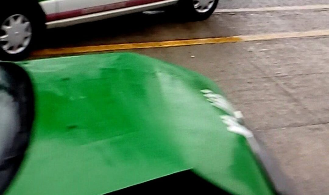 Precaución accidente de tránsito sobre la calle Bolívia