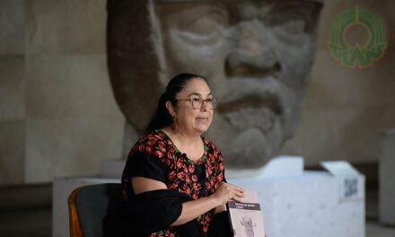 Presentan libro de Sara Ladrón de Guevara en la FIL de Minería
