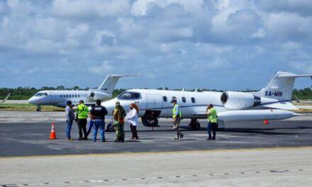 Fallece paciente en aeroambulancia; aterriza de emergencia en Cancún