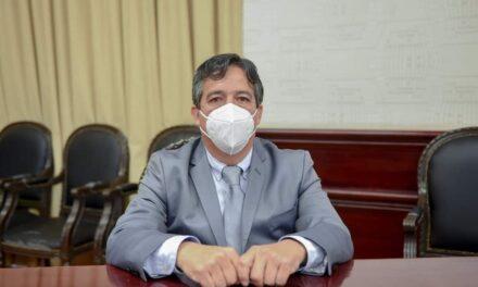 Rinde protesta Arturo Chimal como regidor de Xalapa, en suplencia de Juan Gabriel Fernández Garibay