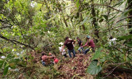 Rescatan cuerpo de joven cayó dese un puente en el municipio de Xico