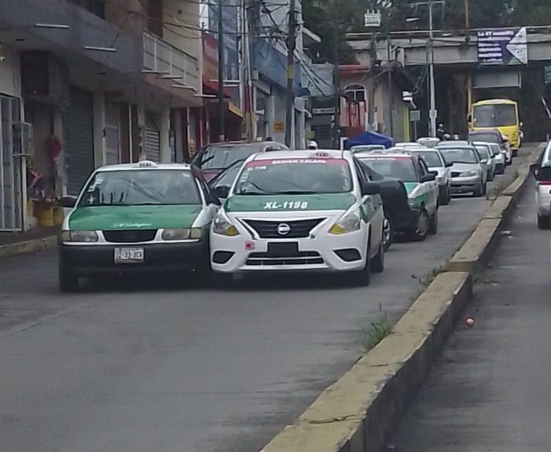 Accidente de tránsito sobre la avenida Rébsamen, a la altura de la vía del Tren