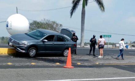 Accidente en la carretera Xalapa-Veracruz, a la altura del aeropuerto de El Lencero