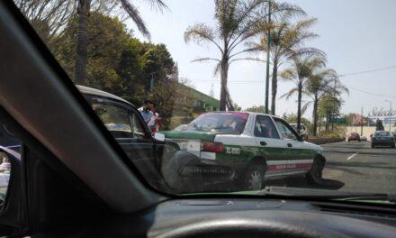Accidente de tránsito sobre la avenida Lázaro Cárdenas, a la altura de Plaza Animas