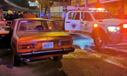 Se incendia auto sobre lateral del puente Bicentenario Xalapa