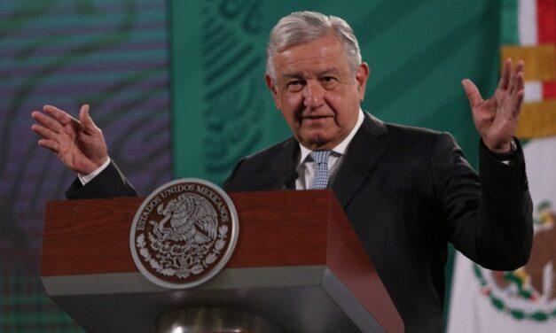 Manifestaciones pacíficas y no dañar monumentos por el Día de la Mujer: López Obrador