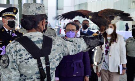 Entregan condecoraciones y reconocimientos a mujeres que forman parte de la Guardia Nacional