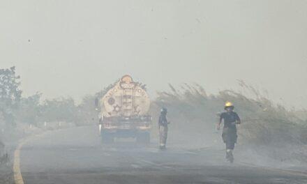 Cierran por incendio carretera Transismica carril de Coatzacoalcos a Minatitlán