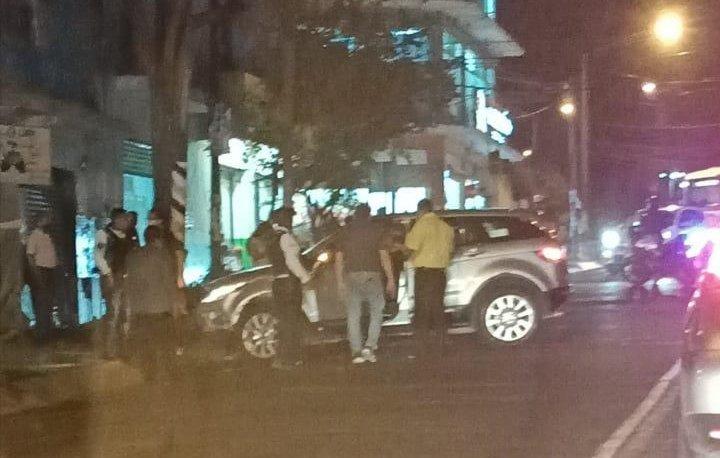 Accidente de tránsito sobre la avenida 20 de Noviembre, esquina Pipila en Xalapa