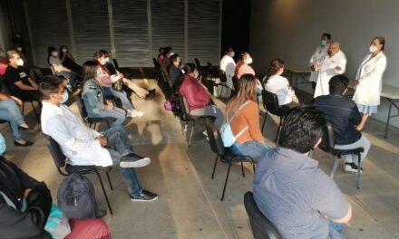 Regresan a Xalapa 20 médicos y 80 enfermeras que dieron atención a pacientes COVID-19, en la Ciudad de México