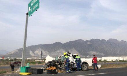 Accidente en la Carretera Monterrey-Saltillo deja dos lesionados