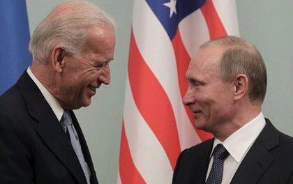 Biden dijo que cree que Putin es un asesino y que pronto pagará el precio por sus actos