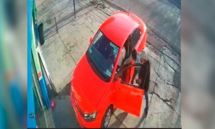 Video: Así fue el robo de auto con violencia que dejó un herido en Cuernavaca