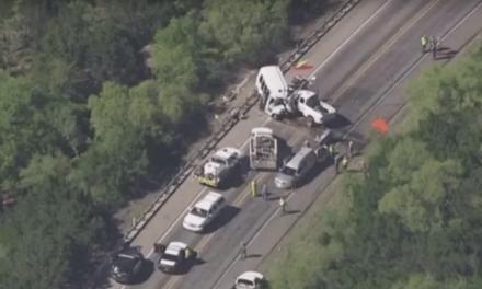 Accidente de transito en Imperial, California, deja al menos 12 muertos