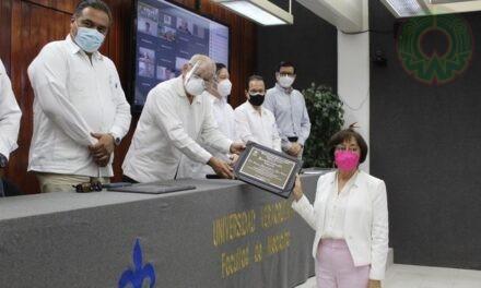 UV reconoció trayectoria de académicas de la región Veracruz