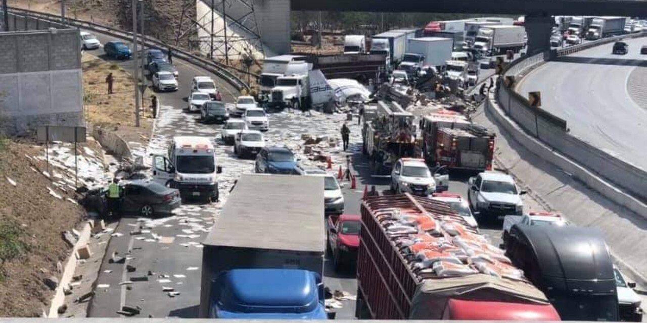 Choque múltiple en la México-Querétaro deja un muerto