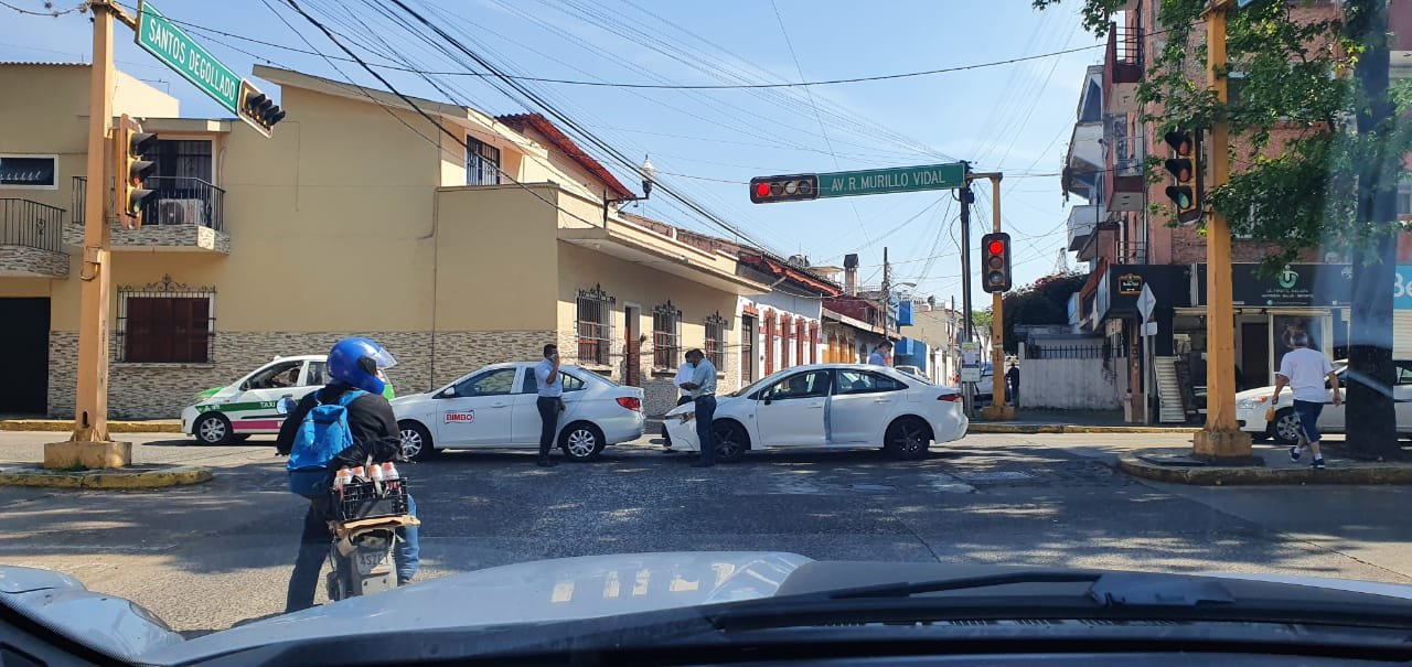 Accidente de tránsito sobre la avenida Murillo Vidal, Xalapa