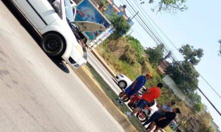 Accidente de tránsito sobre la avenida Lázaro Cárdenas, a la altura de Agua Santa 1
