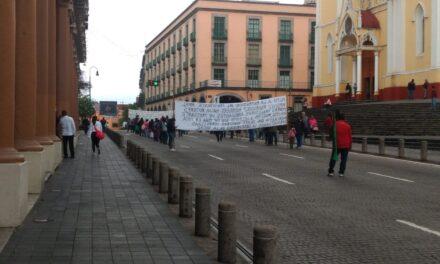 Cierran vendedores ambulantes del Centro de Xalapa