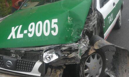 Se accidenta taxi de Xalapa con músicos en la carretera Xalapa – Misantla