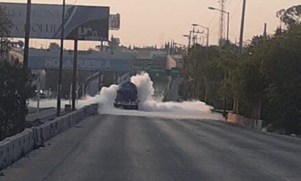 [Video] Fuga en pipa de gas causa emergencia en Periférico