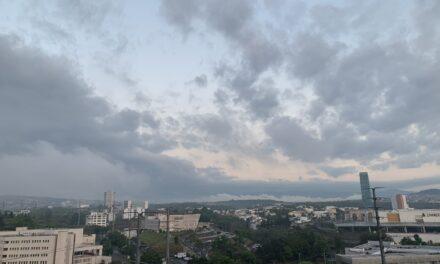 Atención población de Veracruz 20 de abril de 2021  En las próximas 24 horas se prevé poco cambio de temperatura máxima o ligeramente superior; lluvias, lloviznas y nieblas aisladas, y viento del Norte en costas.
